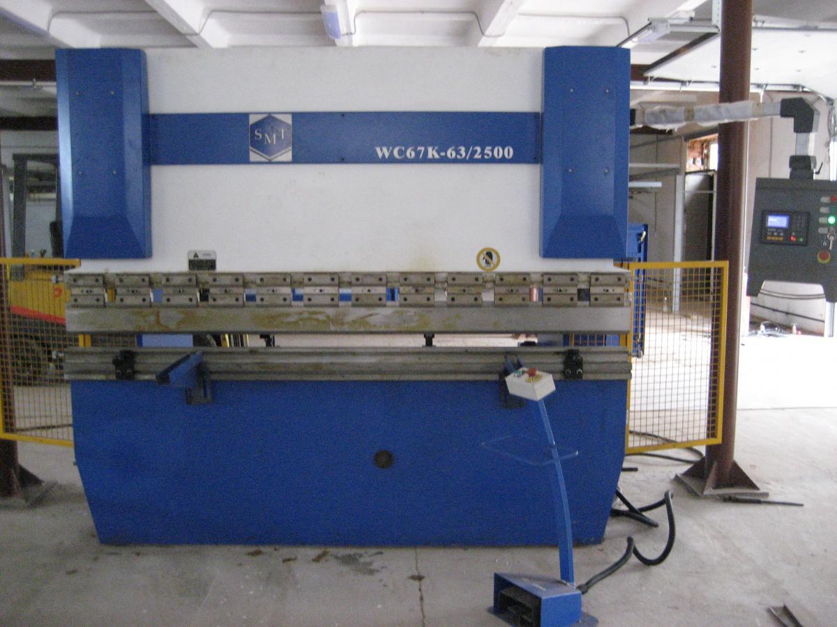 Гидравлический листогибочный пресс серии PBC 63x25 производства фирмы SMT